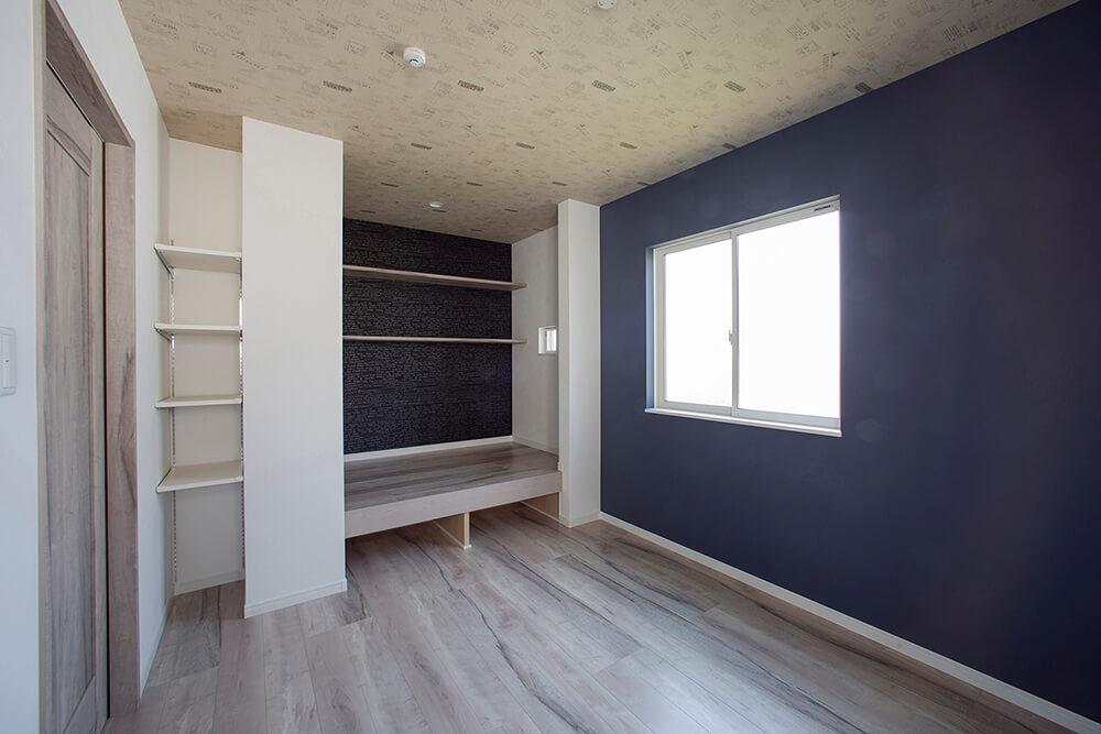 2階洋室のスキップフロア収納