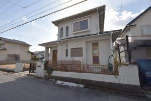 広島市佐伯区美鈴が丘西5丁目の注文住宅用土地の古家解体前の画像
