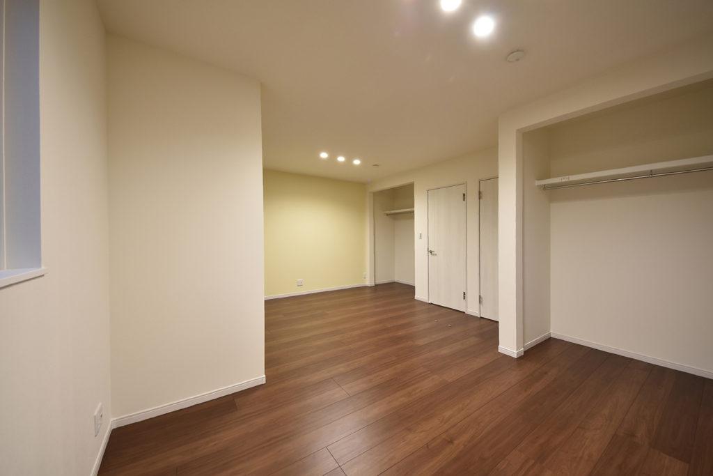 2階の洋室(2部屋)