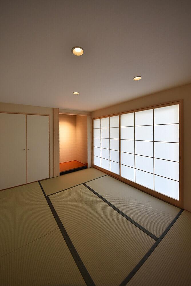 凛とした印象の床の間付き和室